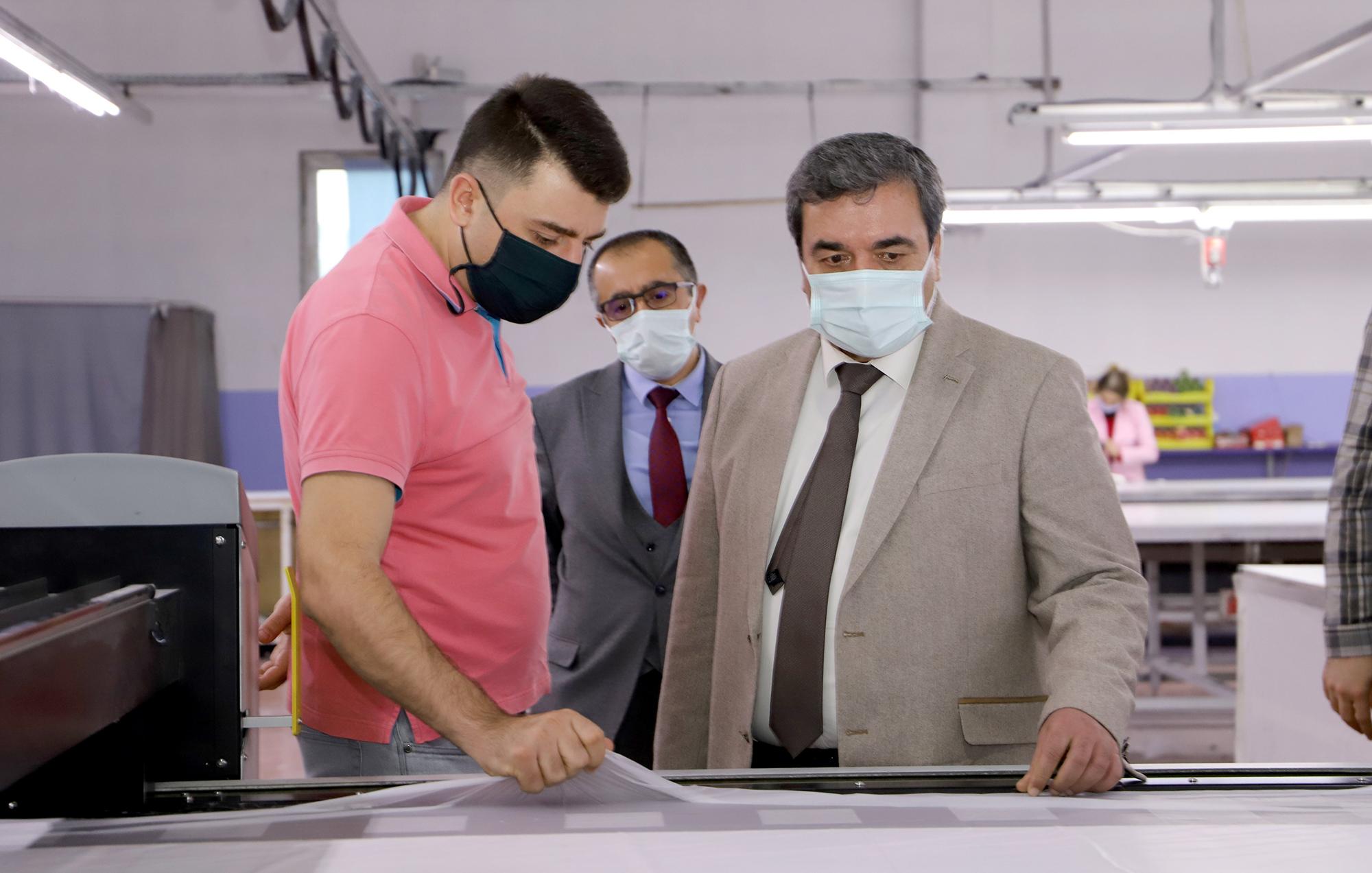 Rektörümüz Prof. Dr. Mehmet Kul Lefaxx Jeans Firmasını Ziyaret Etti