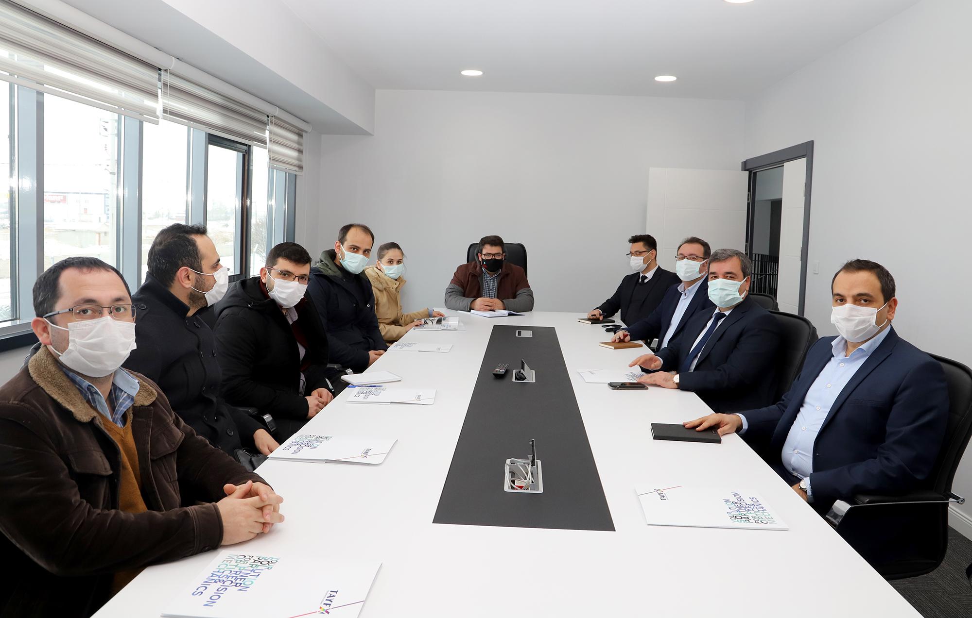 Rektörümüz Prof. Dr. Mehmet Kul ve Akademik Personelimizden TAYFX Hassas Optik Firmasına Ziyaret