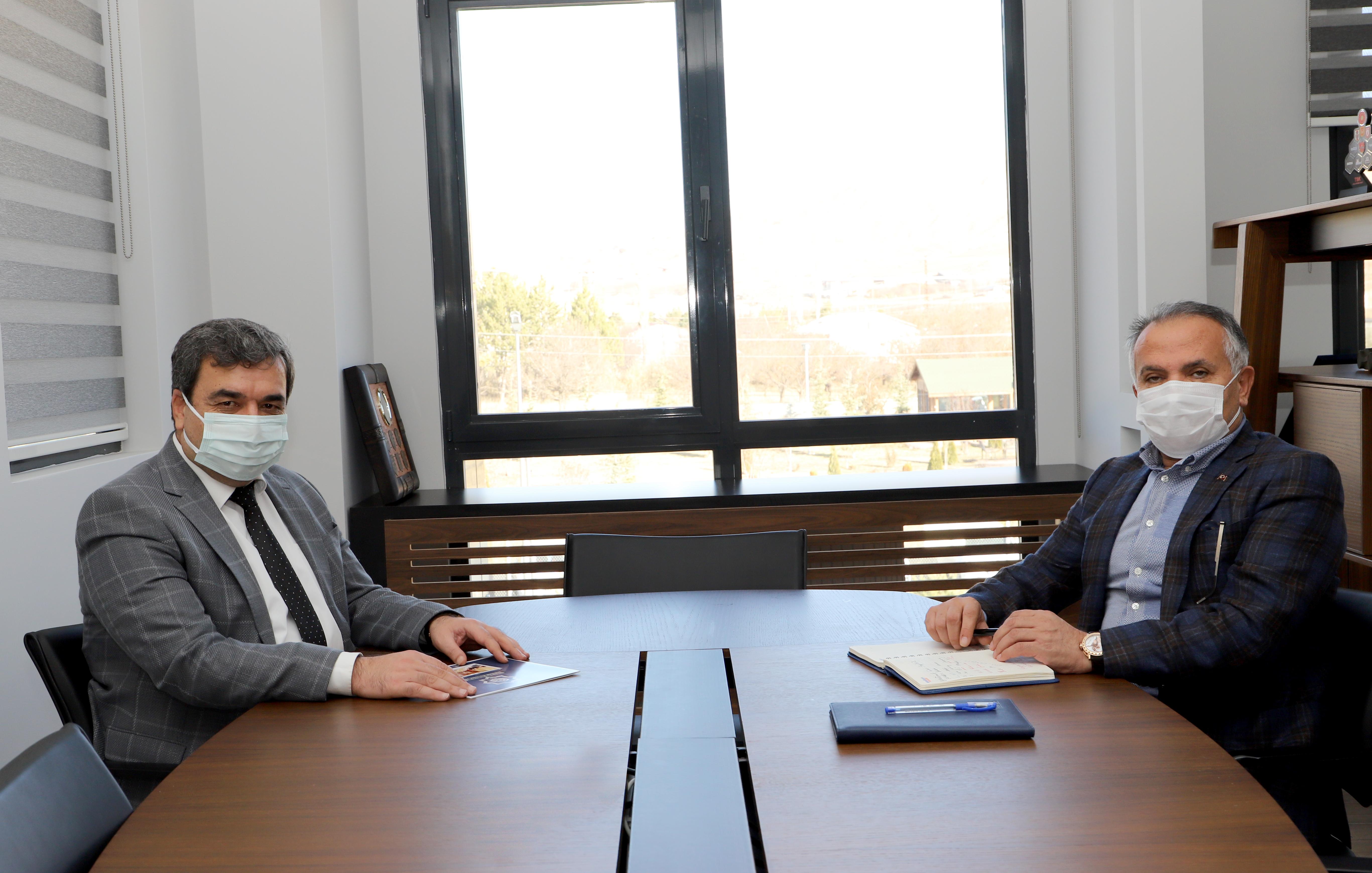 Rektörümüz Prof. Dr. Mehmet Kul ASELSAN Sivas Hassas Optik Firmasını Ziyaret Etti