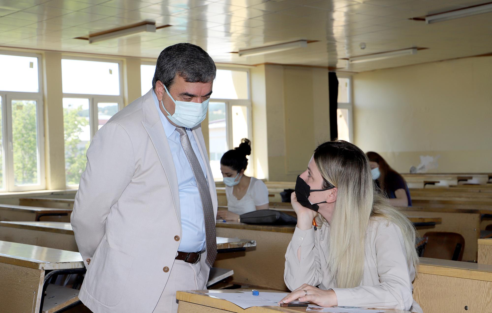 Yüksek Lisans ve Doktora Sınavları Yapıldı
