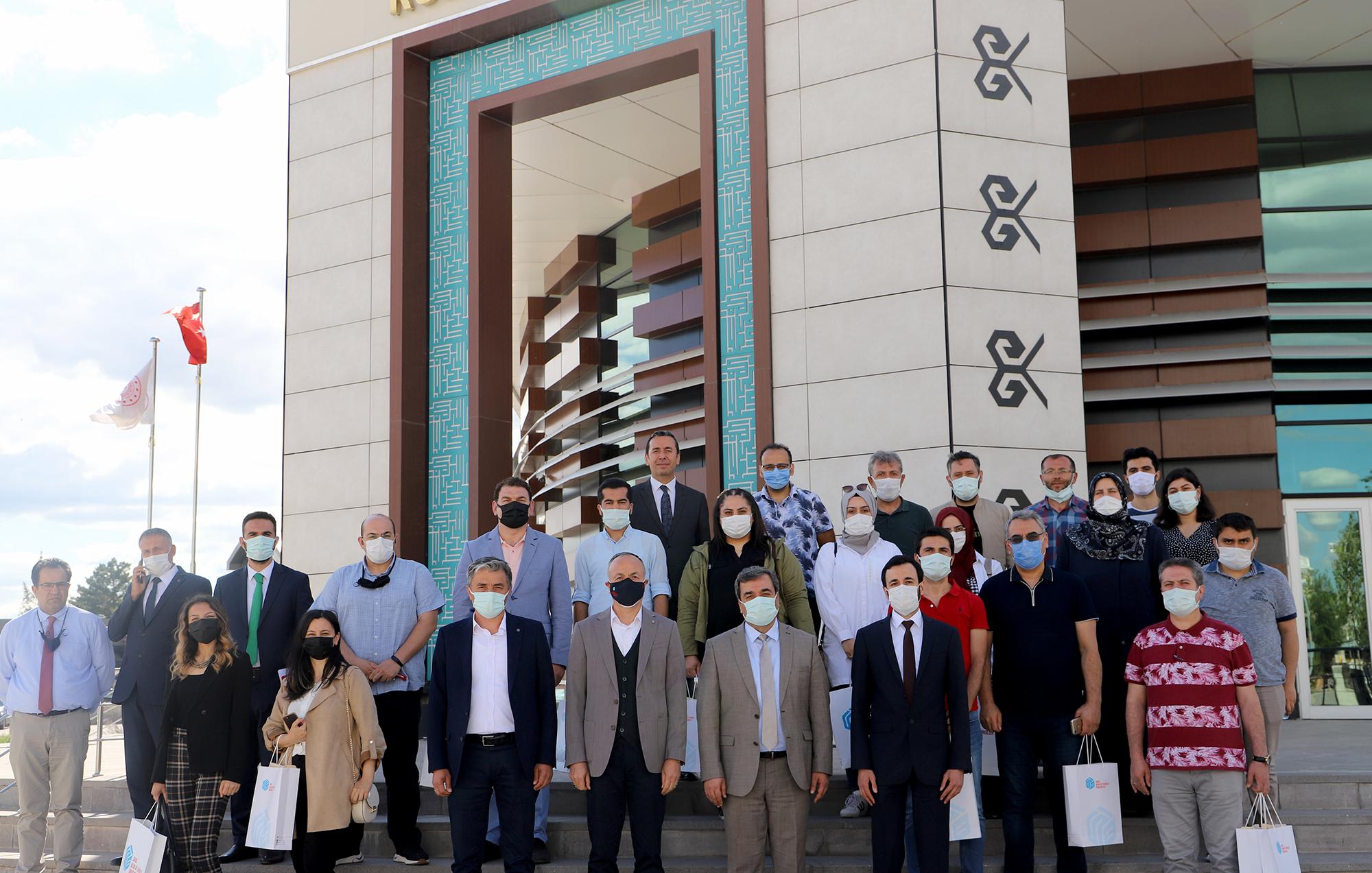 Rektör Prof. Dr. Mehmet Kul Liselerde Görev Yapan Rehber Öğretmenlerle Buluştu