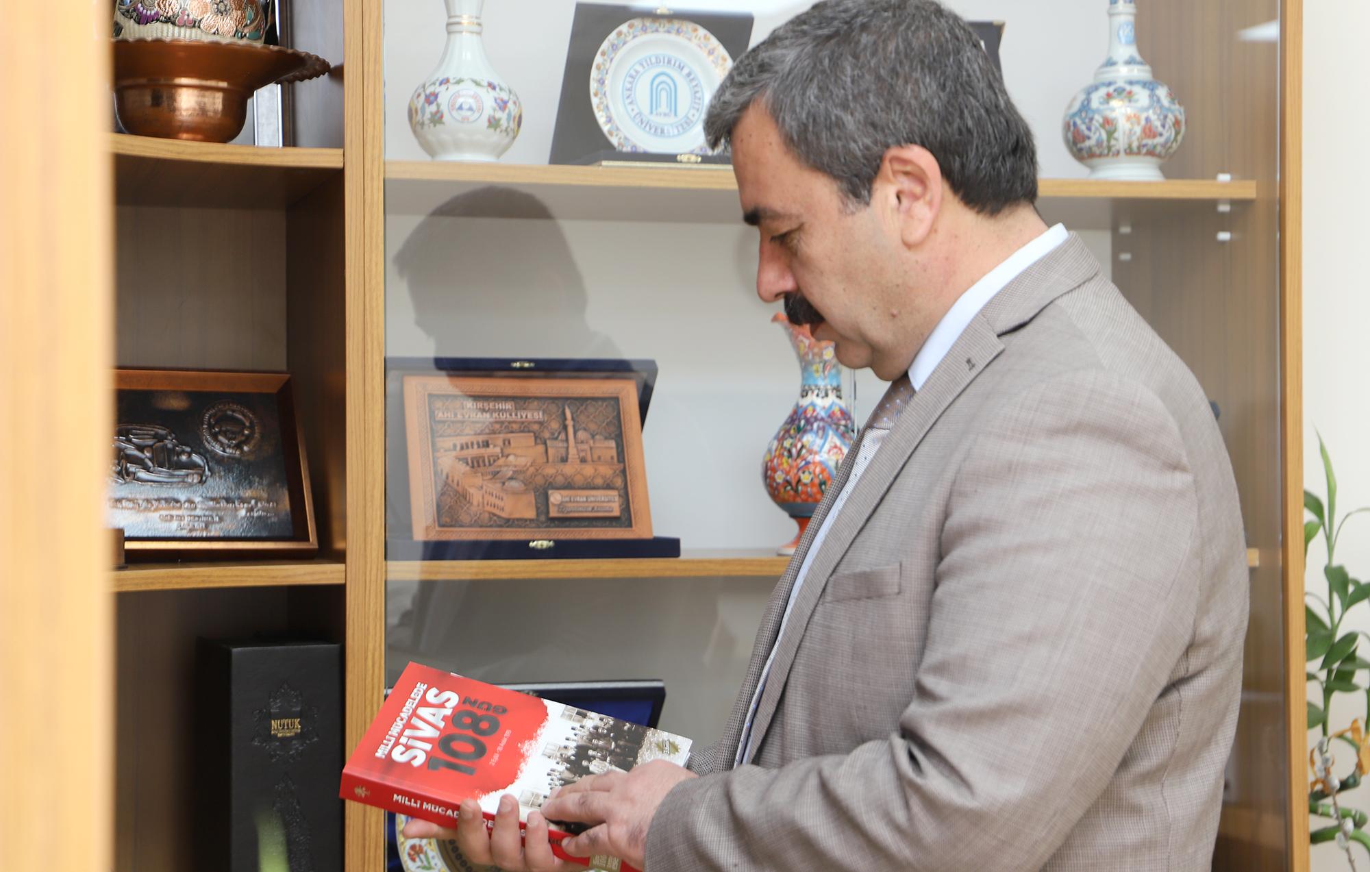 Rektörümüz Prof. Dr. Mehmet Kul'un